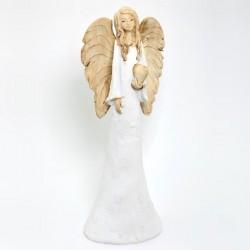 Anjel Teresa so srdiečkom v ruke